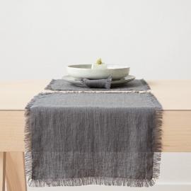 Mantel individual de lino de graphite Terra con flecos hechos a mano