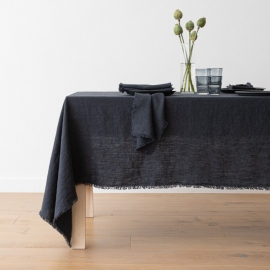 Mantel de lino charcoal Terra con flecos hechos a mano