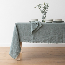 Mantel de lino spa verde Terra con flecos hechos a mano